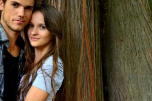 young-couple-1760184_1280